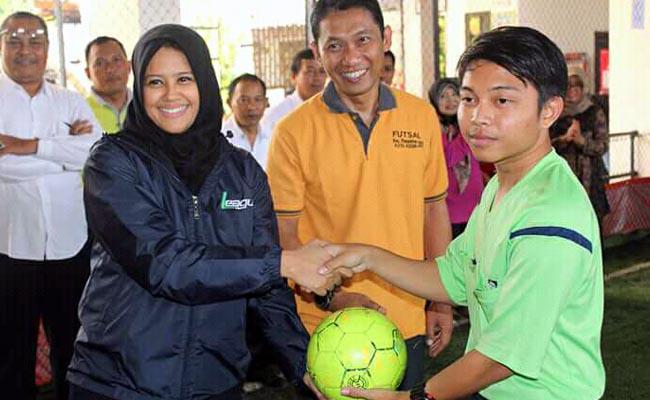 Kelurahan Tamanan Juara I  Kompetisi Futsal Putri Cup III