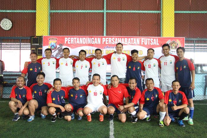Jaga Kekompakan, Kapolres Mojokerto Ajak Wartawan Bermain Futsal