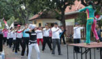 Meriahkan Semipro, Perwosi Senam bersama Aparatur dan Warga