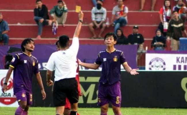 Dianggap Tak Fair, Pelatih Persik Protes Wasit Usai Pertandingan