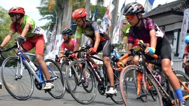 Pembalap Sepeda Bondowoso Raih Dua Gelar Tour de Linggarjati 2019 di Kuningan Jabar